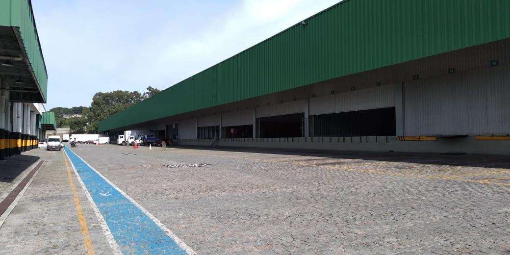 Camilo RIO de casa nova: localização privilegiada na Via Dutra